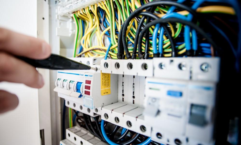 Dica para eletricistas: invista no seu cartão de visitas!