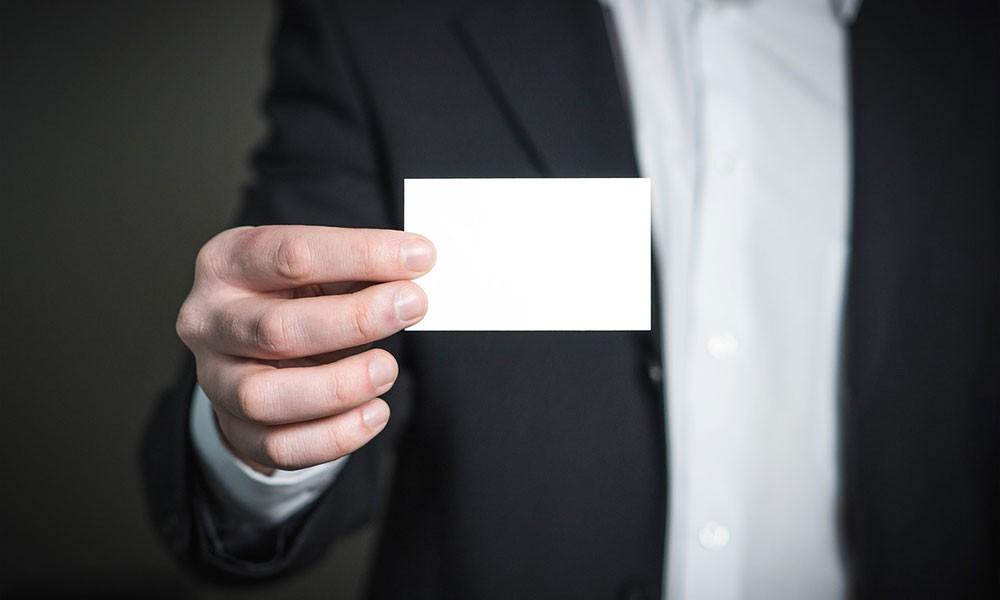 Por que um empresário deve ter um cartão de visitas sempre à mão?