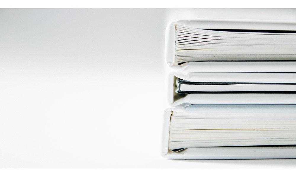 Quais profissionais devem usar pastas personalizadas em seu trabalho?